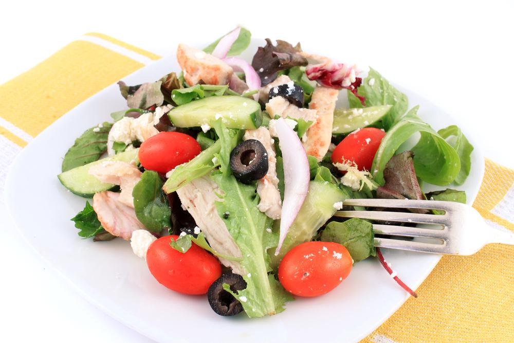 Salata greceasca de pui